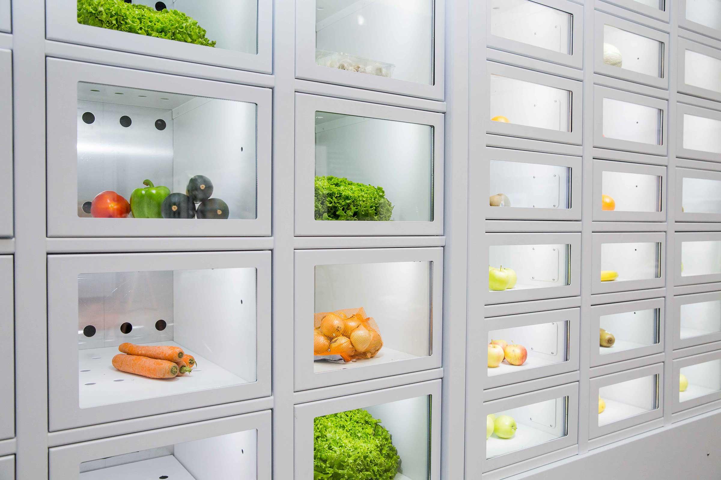 Verduras en un casier français, el distribuidor automático de productores independientes